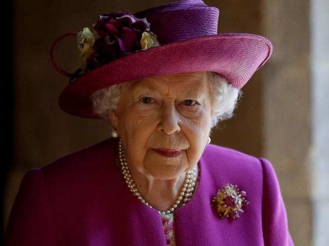 "Queen Elizabeth soll nach Prinz Philips Tod ""anmutig verblassen"""