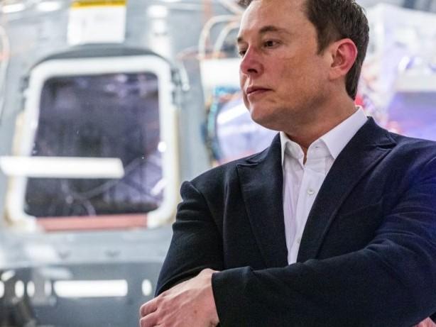 Teslas Autopilot verliert deutlich gegen die Konkurrenz: Dieses Auto schnappt sich Platz 1