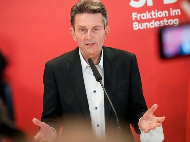 Mützenich kritisiert Kramp-Karrenbauer wegen Äußerung zu Atomwaffen