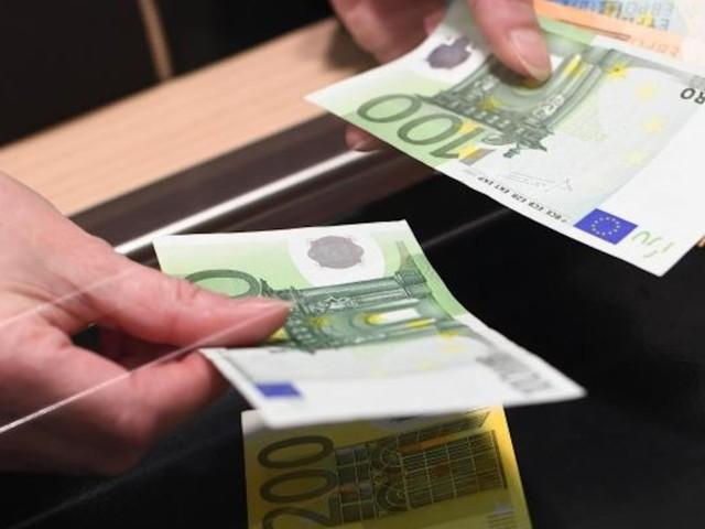 Rechtswidrige Gebührenerhöhung - Bis zu 300 Euro Erstattung! So bekommen Kunden ihre Bankgebühren zurück