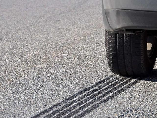Zeitsoldat bremst bewusstlose Fahrerin auf Autobahn aus – und wird als Held gefeiert