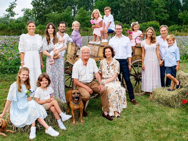 Schwedische Königsfamilie: Schwedens Royals im Sommerurlaub endlich vereint