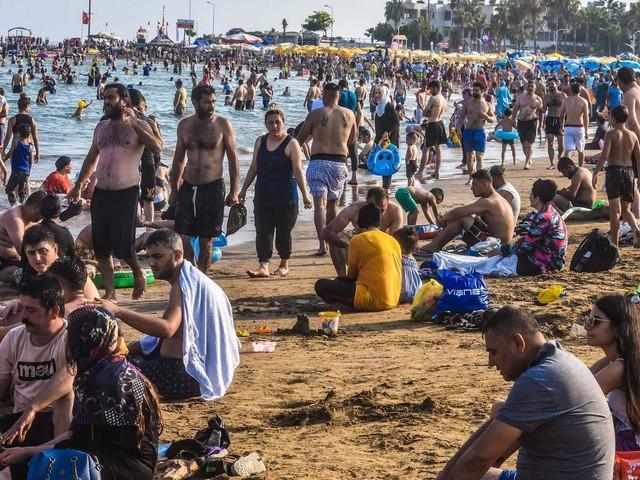 Corona-News | RKI: Corona-Infektionen durch Reisen nehmen zu