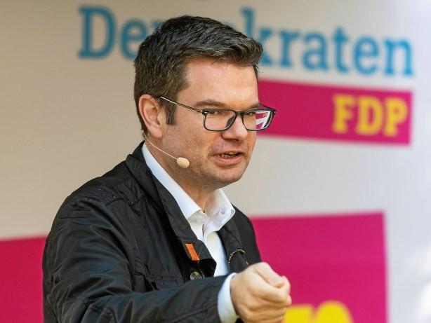 Schule: FDP Gelsenkirchen zum Digitalpakt: Keinen Euro liegenlassen