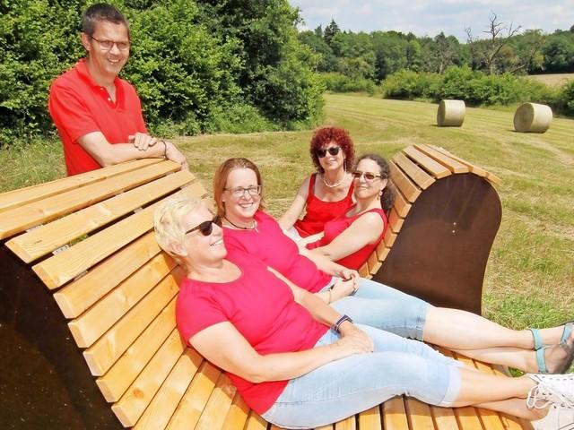 Von Surfbrett bis Summstein: Dieser Weg soll Wanderern Ruhe bringen