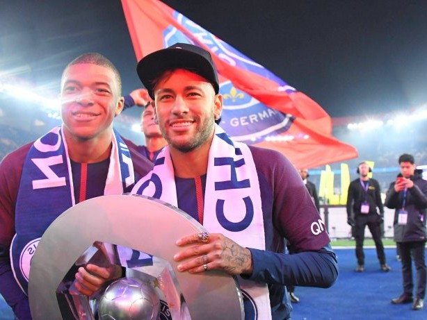 Fußball-Ticker: Muss Paris St. Germain Neymar und Mbappé verkaufen?