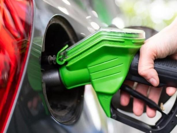 Verkehr: Benzinpreis erreicht Acht-Jahres-Hoch