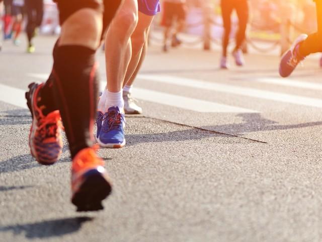 """Kolumne: """"So läuft es"""" - Mit jedem Schritt Gutes tun: Darum feiere ich das Laufen jetzt noch mehr"""