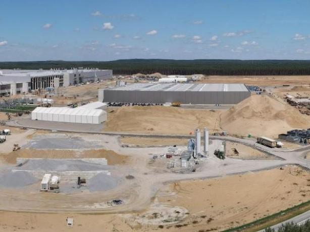 Grünheide: Tesla-Fabrik: Steinbach sieht Chance für Genehmigung