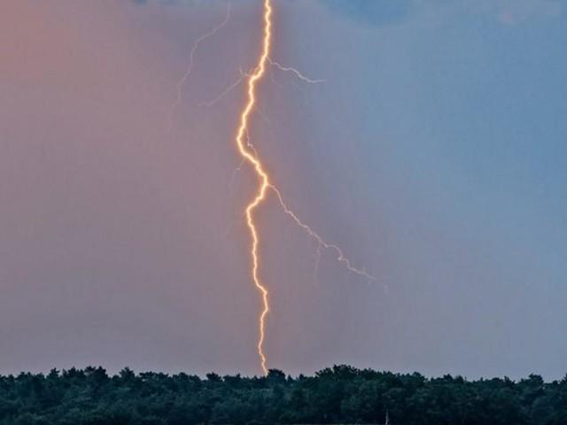 14 Jugendliche auf Militärgelände vom Blitz getroffen