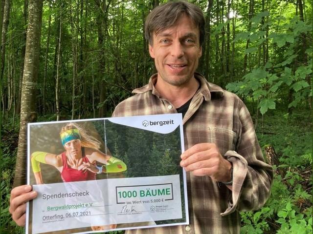 Bergzeit spendet 1.000 Bäume an Bergwaldprojekt e.V.