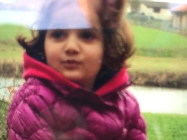 Großeinsatz im hessischen Guxhagen - Mädchen in Fluss gefallen? Fünfjährige verschwand plötzlich von Spielplatz