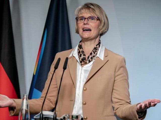 Bildungsministerin will mehr Studenten mit Bafög unterstützen