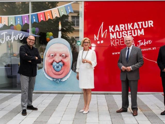 Feier der satirischen Kunst in Krems
