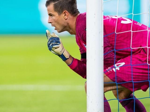 Kreuzbandriss: Schalke 04 monatelang ohne Torwart Langer