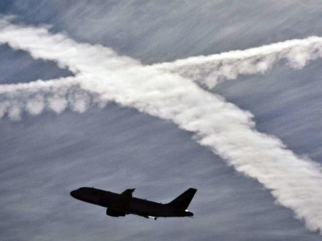 Zahlreiche Passagierflugzeuge fliegen diesen Sommerungewöhnlich tief - das steckt dahinter