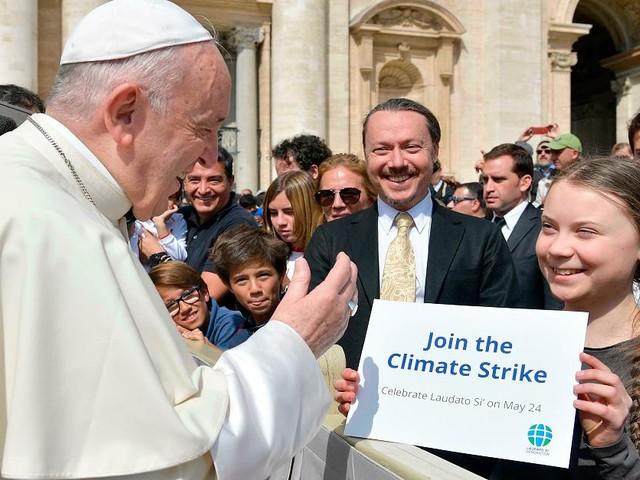 Proteste am Karfreitag in Rom - Marionette eines PR-Beraters? Klima-Star Greta wehrt sich gegen Kritik
