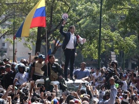 Kraftprobe in Caracas - Machtkampf in Venezuela: Guaido ruft zu Massenprotesten auf