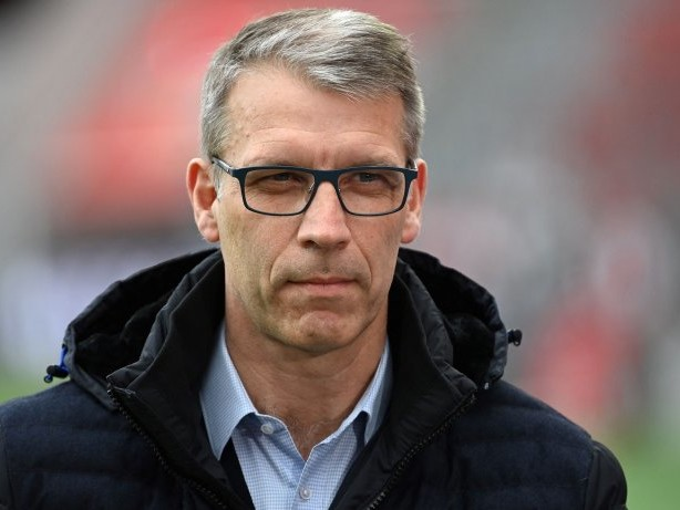 "Podcast ""Fußball Inside"": Schalke-Podcast: Warum Knäbels Kaderplanung riskant ist"