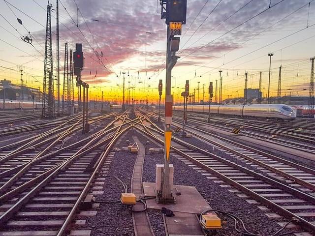 Züge rollen nach Bahnstreik wieder an