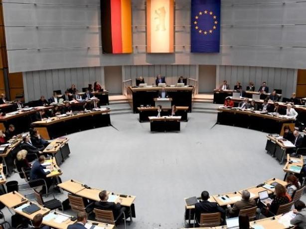 Abgeordnetenhaus: Abgeordnetenhaus beschließt Doppelhaushalt 2018/2019