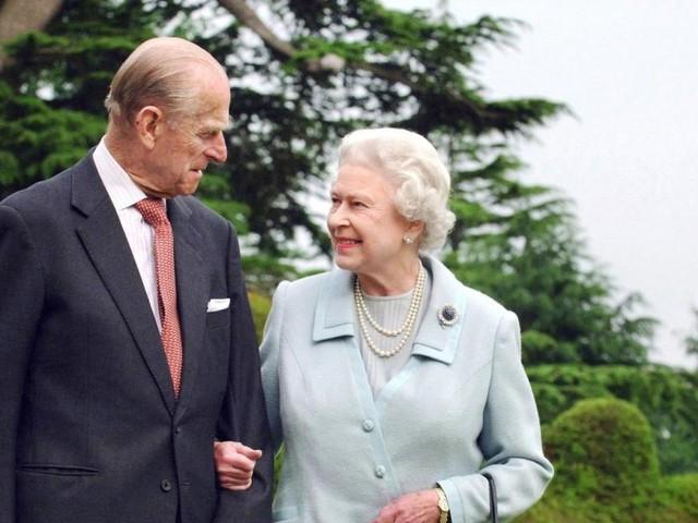 Wird Queen Elizabeth jetzt abdanken und Charles König?
