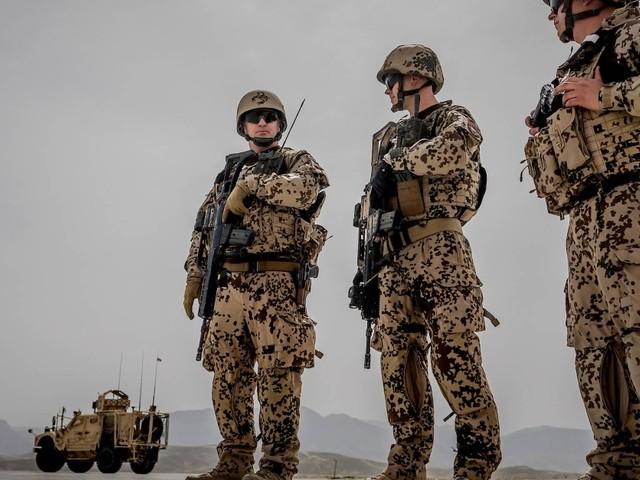 Abzug der Bundeswehr: Kramp-Karrenbauer will afghanische Mitarbeiter in Sicherheit bringen