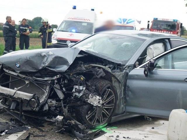 Alkolenker verursacht Unfall mit Schwerverletztem im Bezirk Neunkirchen
