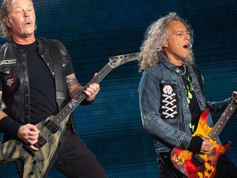 Offizielle Deutsche Charts: Metallica mit neu aufgelegtem Klassiker an der Spitze