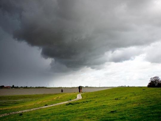 Wetter - Verbreitet Regen bei 6 bis 17 Grad