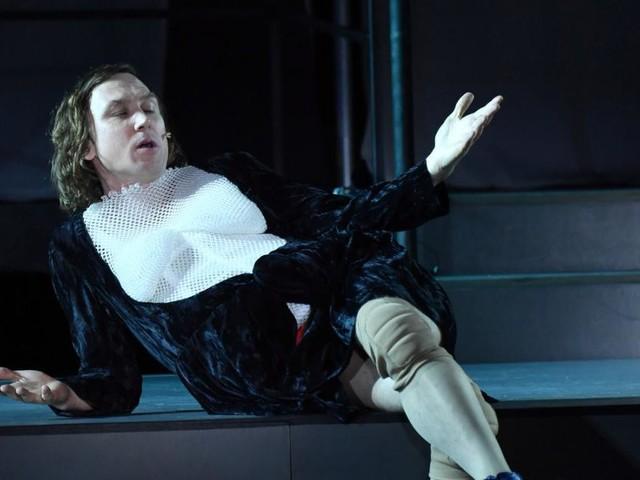 "Salzburger Festspiele: ""Jedermann""-Ensemble trägt genderfluide Kostüme"
