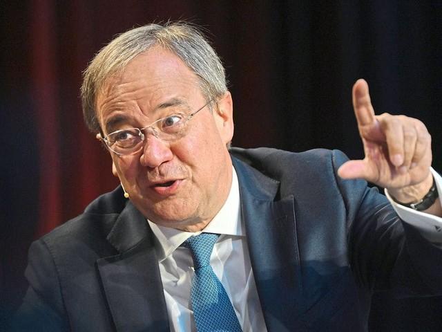 Laschet macht Wahlkampf in Warendorf