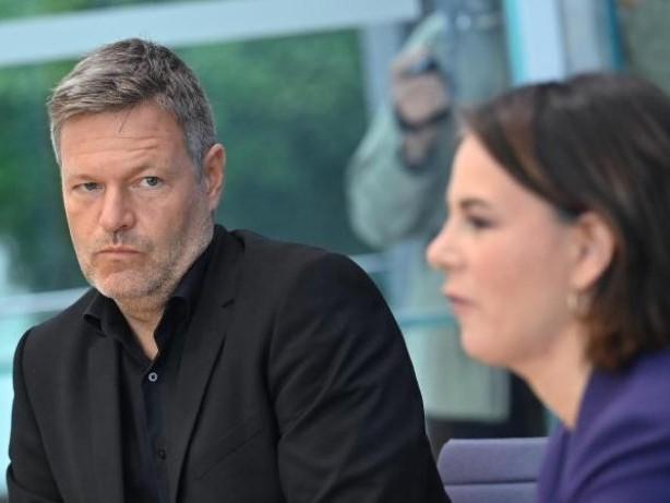Grüne: Habeck: Personalentscheidungen erst nach Verhandlungen