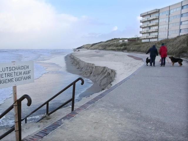 Nach Sturmfluten: Badestrand auf Wangerooge fast komplett weggespült