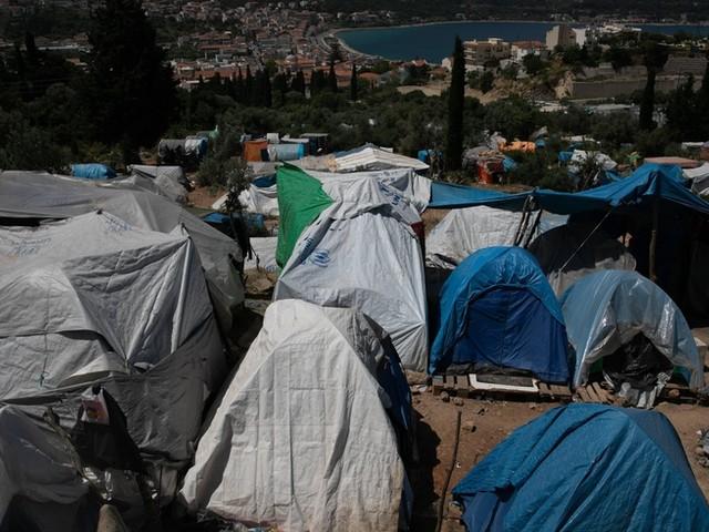 Erneut Feuer im Flüchtlingslager auf Samos – Brand unter Kontrolle