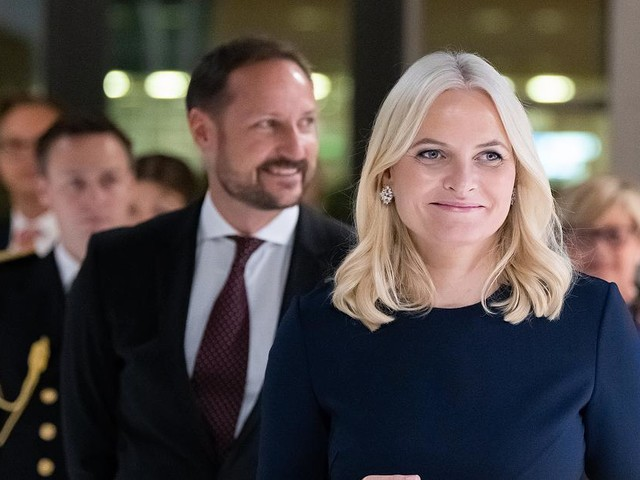 Royals im News-Ticker - Norwegisches Kronprinzenpaar bei Eröffnung der Frankfurter Buchmesse