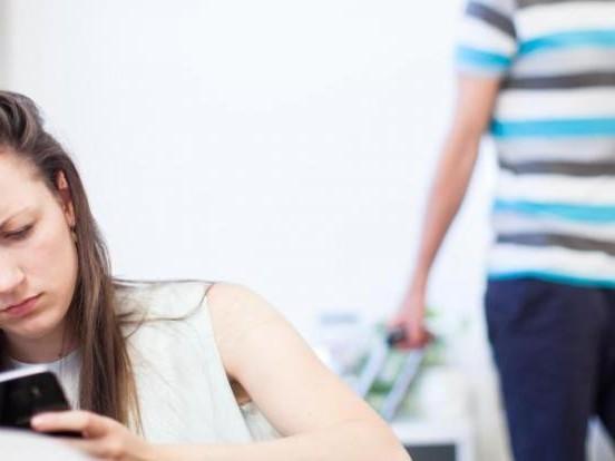 Verdacht auf Untreue: Was tun, wenn der Partner fremdgeht?