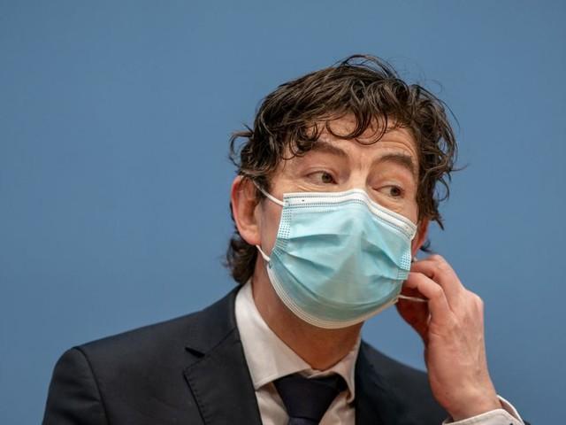 """Christian Drosten: """"Man könnte diese Pandemie wegimpfen"""""""