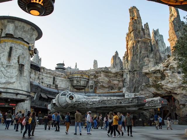 """So beeindruckend ist """"Galaxy's Edge"""": Das bietet das riesige neue Star Wars-Land im Disneyland!"""