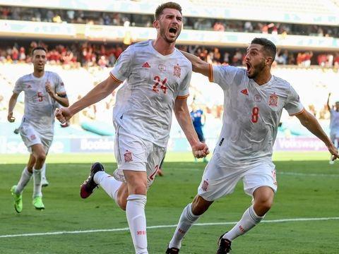 Fußball-EM: Furiose Spanier stürmen ins Achtelfinale - Aus für Slowakei