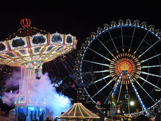 Wiesn: Oktoberfest: Blitz schlägt in Festzelt auf der Wiesn ein
