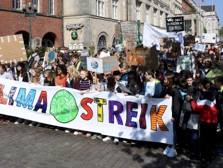 Sollten alle Arbeitnehmer an den Klima-Demos am Freitag teilnehmen dürfen?