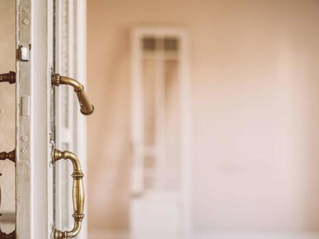 """""""Lieber Nachbar mit den quietschenden Türen"""": Tipps gegen das nervige Geräusch"""