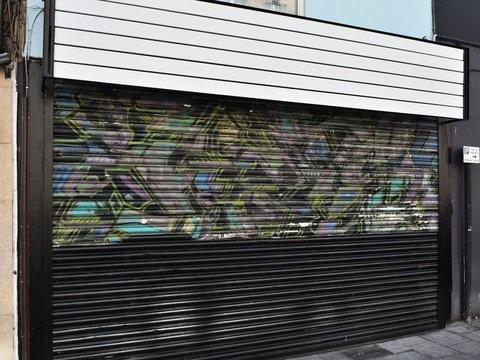 Street Art: Ladenbesitzerin lässt frühen Banksy übermalen