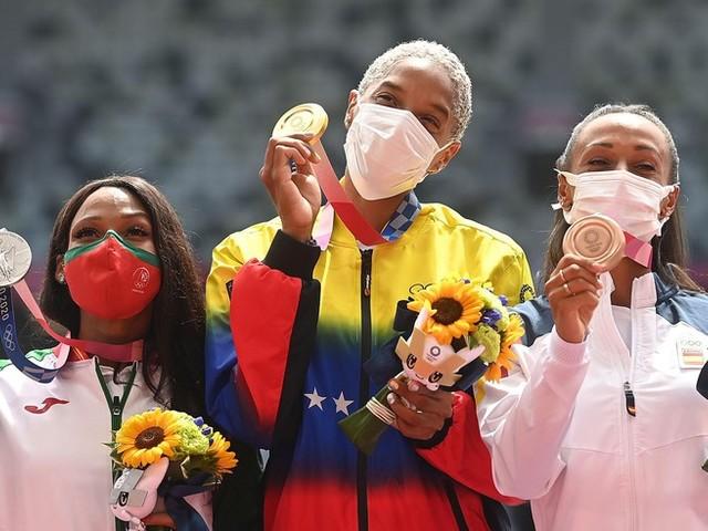 Olympia: Eurosport-Kommentatoren mit wirren Corona-Aussagen während Medaillenverleihung