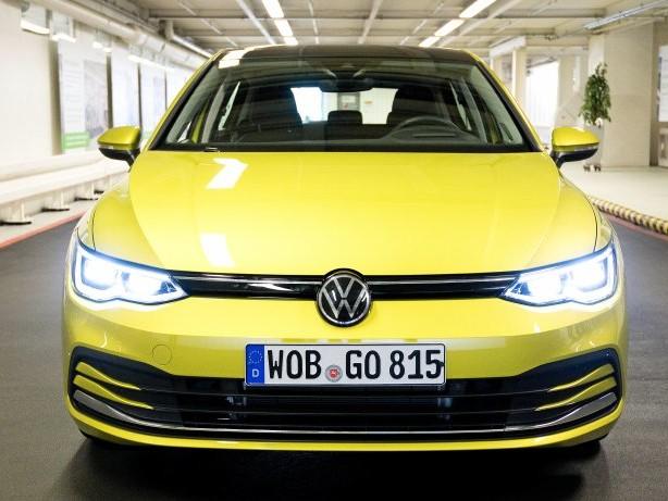Auslieferungsstopp: VW Golf 8: Neues Model vor Rückruf wegen Technik-Problem