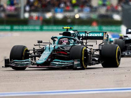 Formel 1: Aston Martin Regen und Rempler: Vettel punktlos