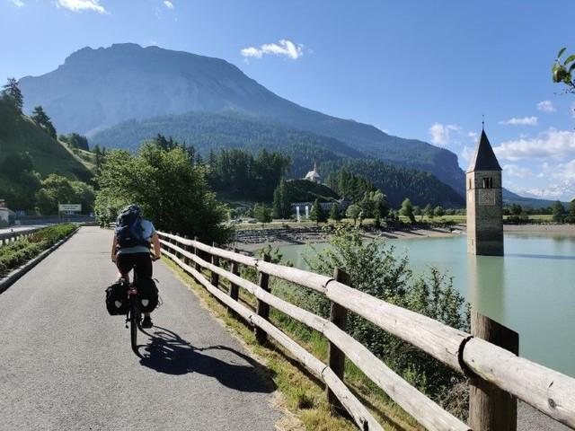 Auf dem Etschtalradweg durch Südtirol bis nach Verona radeln