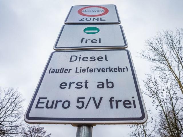 """Handwerk befürchtet """"Diesel-Anarchie"""": Kfz-Innung will mit Petition Fahrverbot stoppen"""