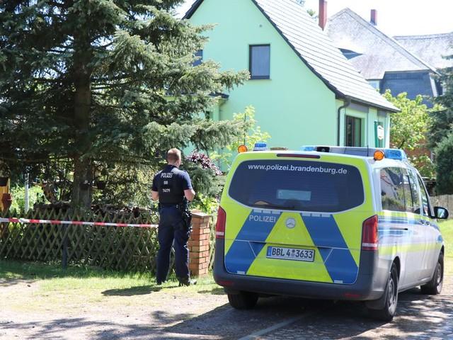 Zwei Tote in brandenburgischem Dorf entdeckt - Mordkommission ermittelt